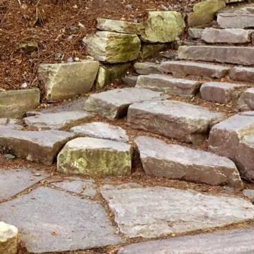 Okrasné a užitkové kamenivo v zahradě